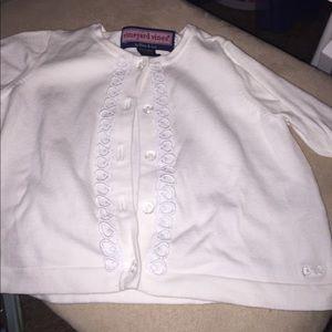 VINEYARD VINE 🐳 white button sweater